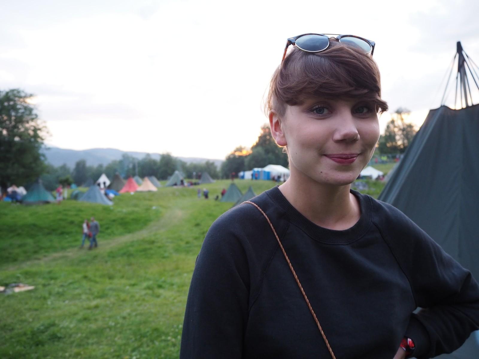 Ella Marie Hætta Isaksen og hennes band ISÁK spilte under helga.